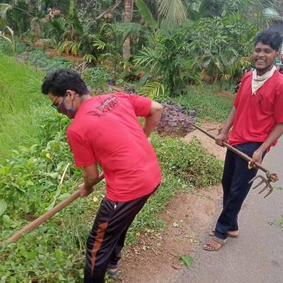Delivering meds to running community kitchens: Kerala's robust volunteering system