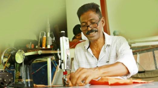 Award-winning costume designer in Kerala turned daily wage worker for lockdown