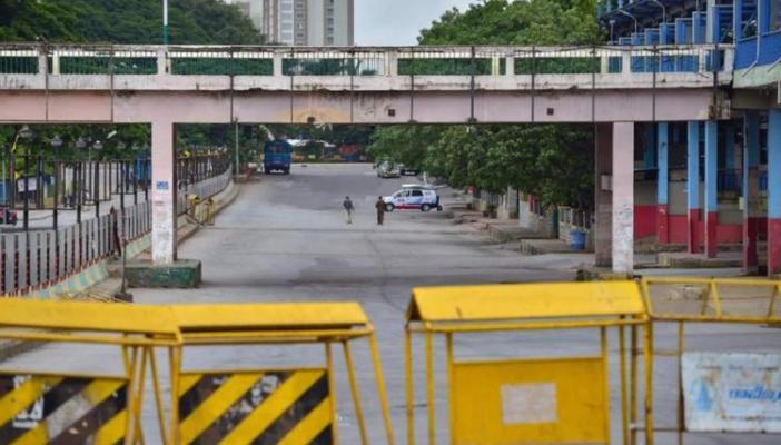 Police barricaded road during lockdown in Bengaluru
