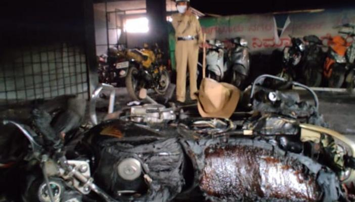 Vehicles burnt in the DJ Halli police station of Bengaluru by a mob on Wednesday night