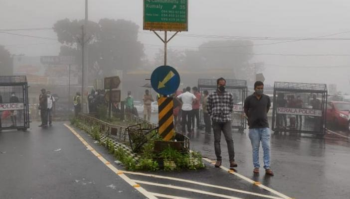 Travellers stranded in Kerala's Kuttikkanam