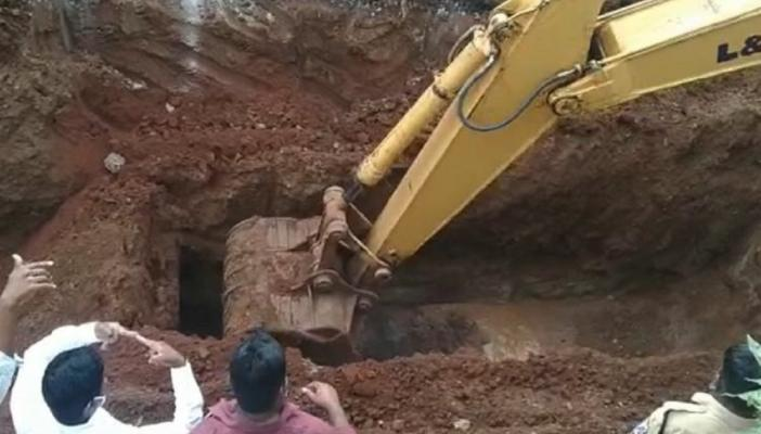 Dugging a manhole to find a body of a dalit manual scavenger who died earlier