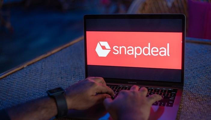 Snapdeal logo open on a laptop