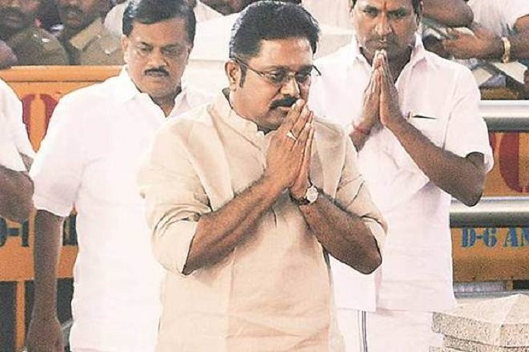ttv dhinakaran calls eps a  u0026 39 cheat u0026 39   says only sasikala can