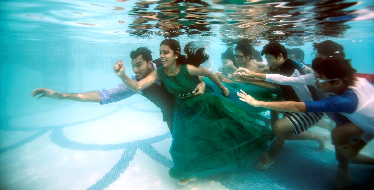 Underwater wedding shoots with mesmerising images is keralas newest fad